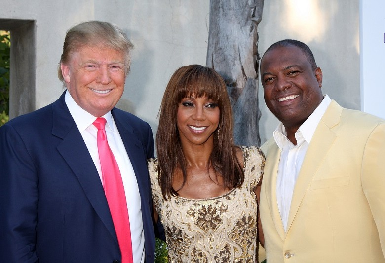 LOS ANGELES - JUL 24:  Donald Trump, Holly Robinson Peete, & Rodney Peete arrives at  the 12th Annual HollyRod Foundation DesignCare Event at Ron BurkleÕs Green Acres Estate on July24, 2010 in Beverly Hills, CA