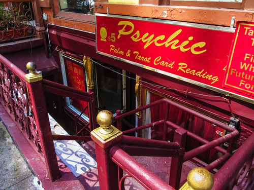 A psychic reading store fron t in Manhattan.